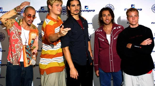 the-backstreet-boys-pose-during-press-conference-1-2